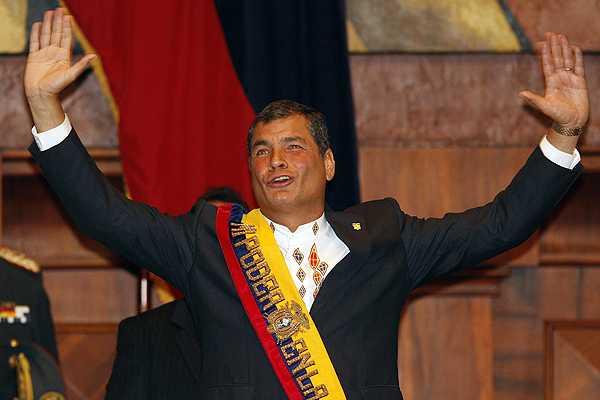 Rafael Correa jura como Presidente de Ecuador para ejercer tercer mandato
