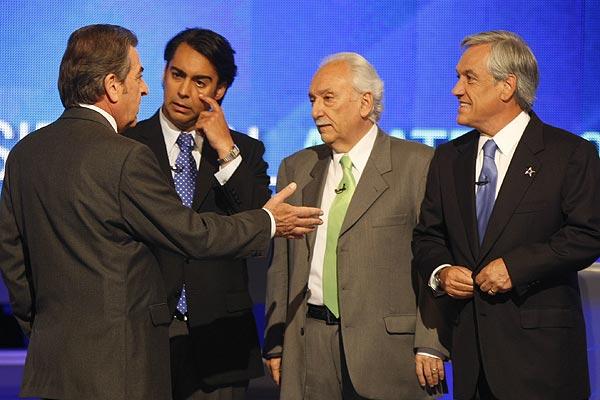 Frei, ME-O y Pi�era protagonizaron un duro debate en 2009, ante un relajado Jorge Arrate que ironiz� con los pocos recursos de su campa�a presidencial.