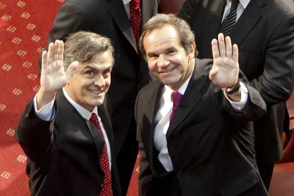 Allamand y Longueira seguir�n minuto a minuto primer debate de la oposici�n
