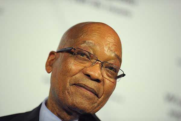 Presidente sudafricano y Mandela: 'Estamos rezando para que se recupere'