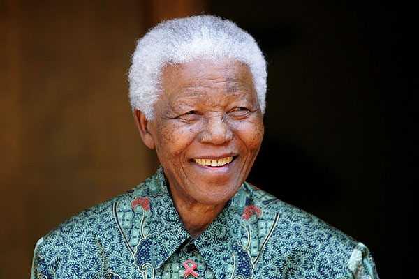 Mandela se recupera bien y tiene buen aspecto, asegura uno de sus nietos