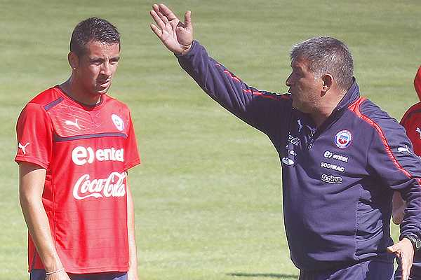 Mauricio Isla: 'A Borghi le doli� que haya dicho que el entrenador que m�s me dio fue Bielsa'