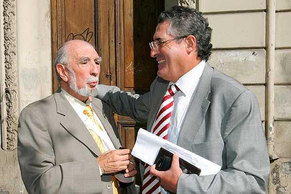 Senador Pizarro visita a Ruiz-Esquide tras infarto: 'Est� tranquilo y estable'