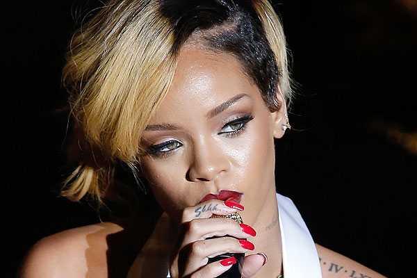 Rihanna es atacada con papas fritas en medio de un show en Inglaterra