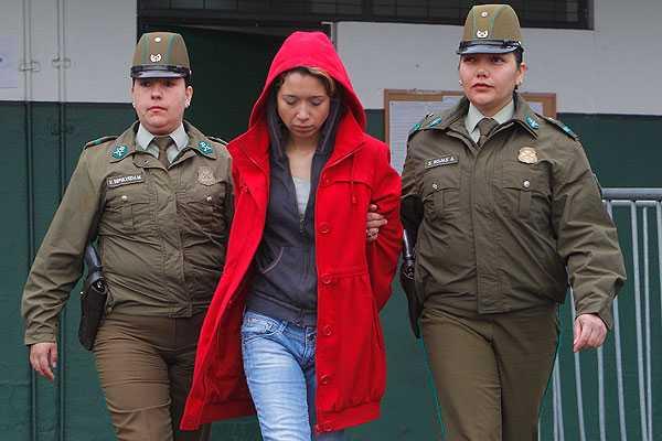 Tribunal revoca libertad y decreta arresto domiciliario total para 'rubia de la molotov'