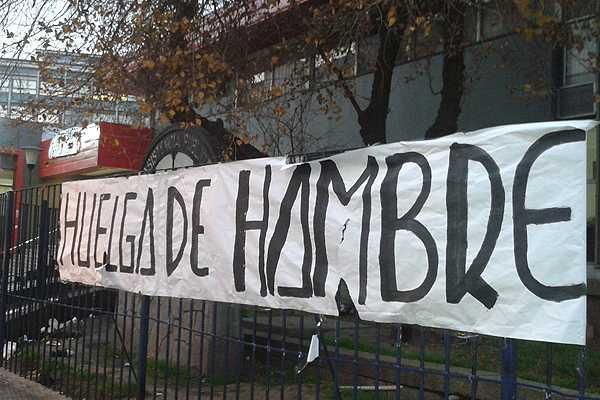 Trabajadores de la ex Posta Central iniciaron paro y huelga de hambre
