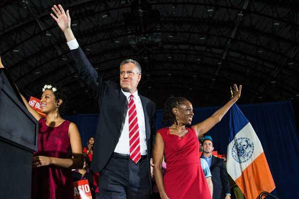 Nueva York da 'giro a la izquierda' con elección de nuevo alcalde demócrata