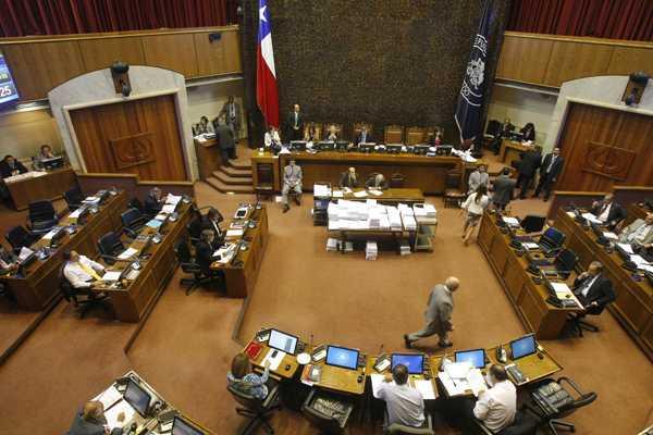 Senado aprueba proyecto de ley que permite el voto de chilenos en el extranjero