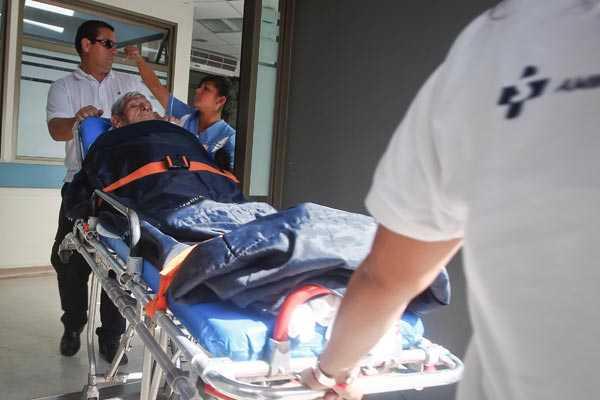 Minsal exigir� 'examen de competencia' a auxiliares y t�cnicos de salud sin t�tulo profesional