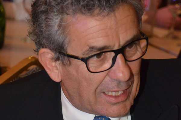 Leonidas Vial renuncia a la presidencia de LarrainVial