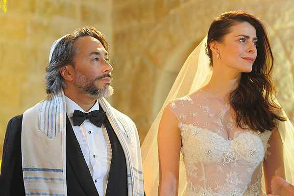 Tonka Tomicic sorprende a todos y se casa en Jerusalén