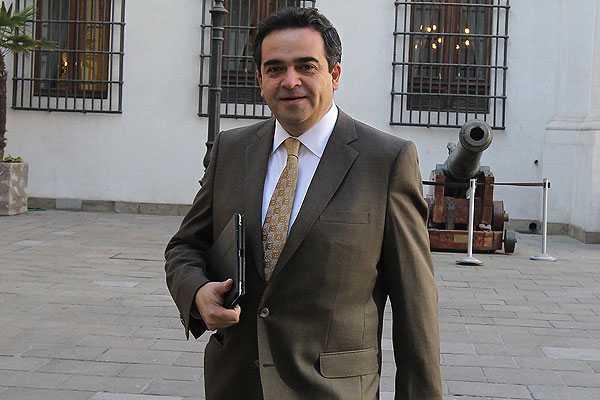 Senador Quintana y críticas por video del Gobierno: 'La UDI está como el régimen nazi'