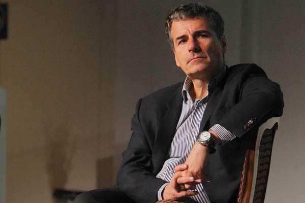 Velasco culpa a gobierno de Piñera por desaceleración:  No hizo ninguna reforma institucional