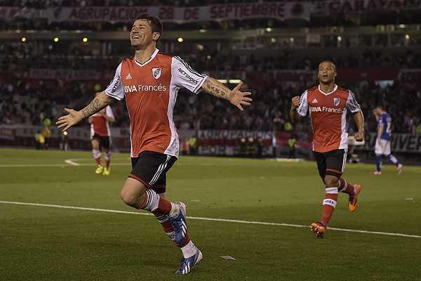 El ex U de Chile, Rodrigo Mora lleva a River Plate a octavos de la Copa Sudamericana Moraafp_232012-L0x0