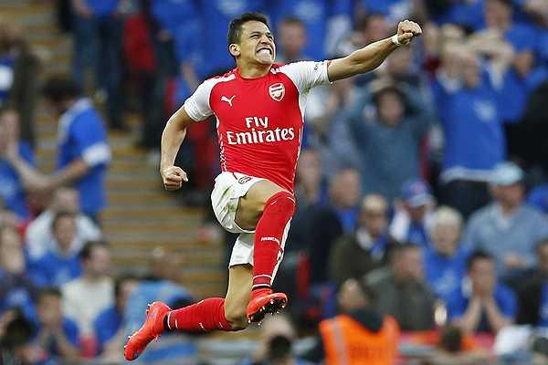 Sánchez finalizó su primera liga inglesa con brillantes números y como goleador del Arsenal